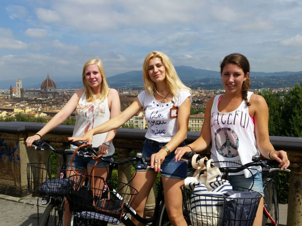 E-Bike Tour of the center of Florence & Piazzale Michelangelo :: curioseety